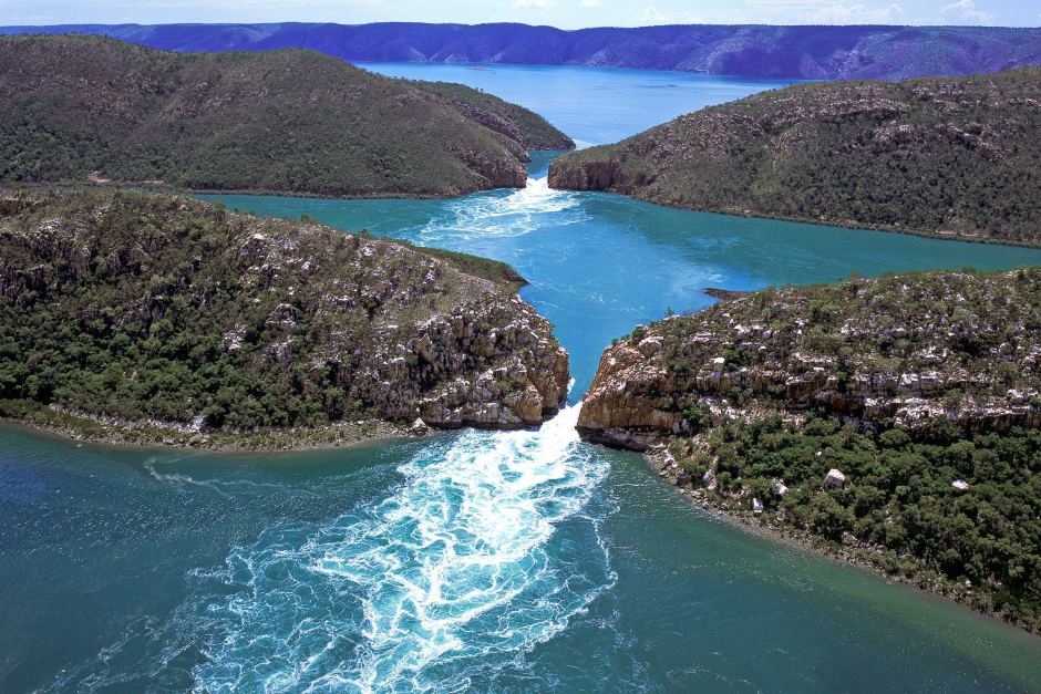 Горизонтальные водопады в бухте Талбот | Идеи для путешествий