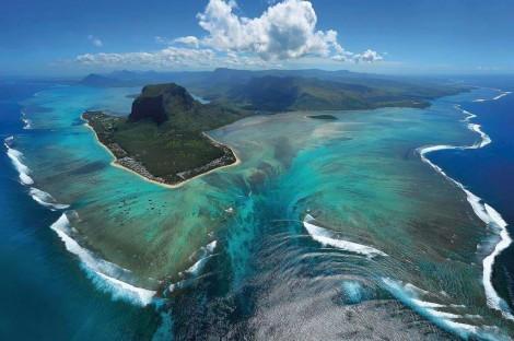 Подводный водопад (Маврикий)
